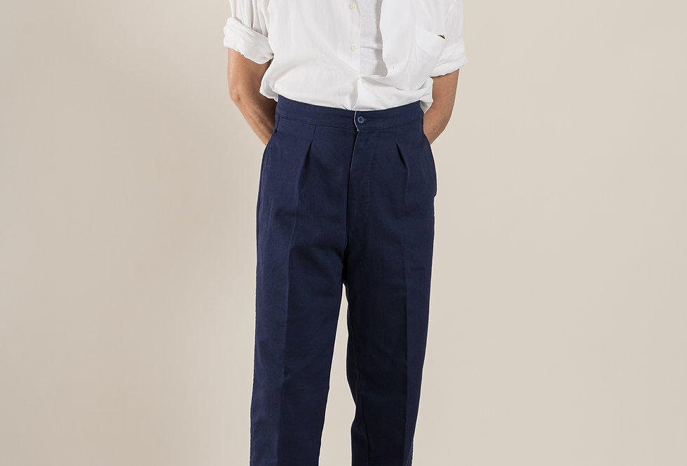 Casatlantic.- Mogador in navy. High waist, side adjusters and straight fit