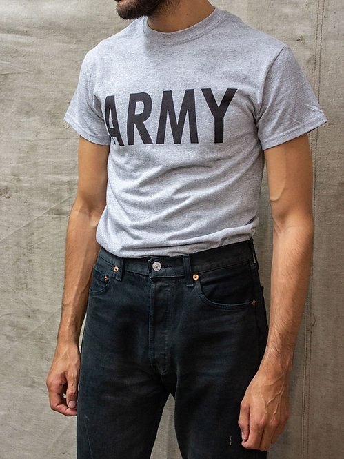 T-shirt in 100% cotton with printed ARMY logo on front. Manufactured by Gildan Corp.