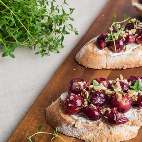 Toast with Roasted Grapes