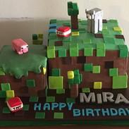 Crafty game cake
