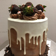 Strawberry Chocolate Dripping Cake