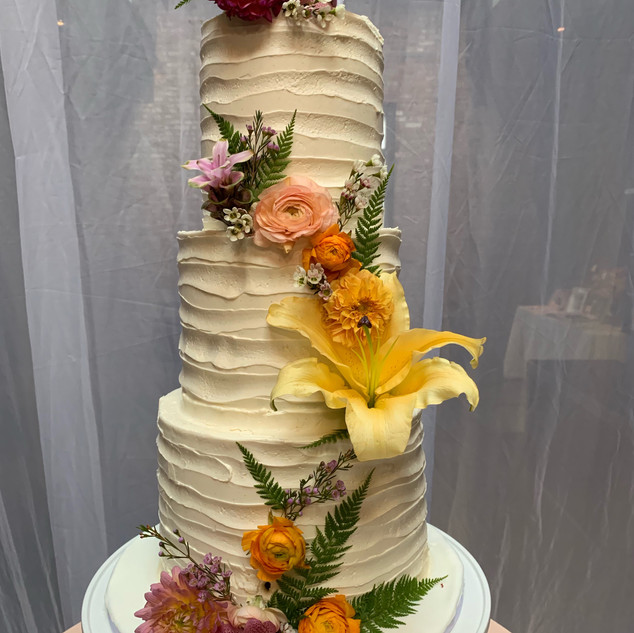 Fresh flower buttercream cake