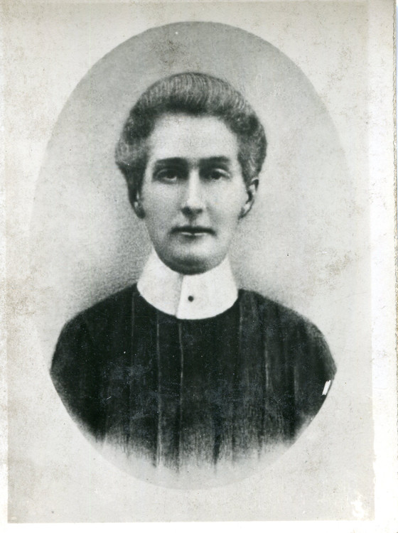 Heroine and Spy? The life and times of Nurse Edith Cavell.
