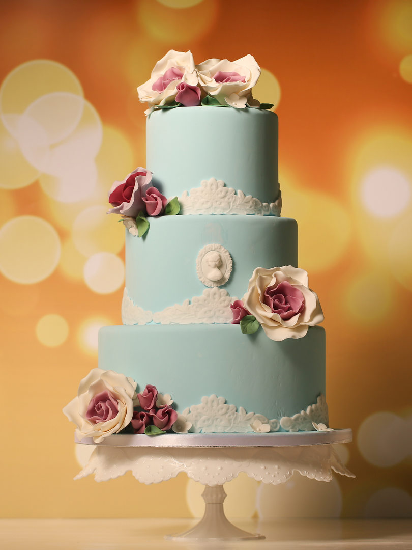 bigstock-Blue-Marzipan-Cake-With-Roses-9
