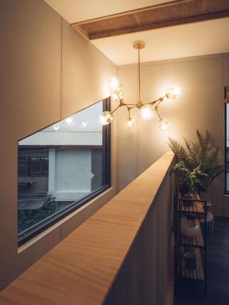 31三角鐵茶屋樓梯空間照明設計.jpg