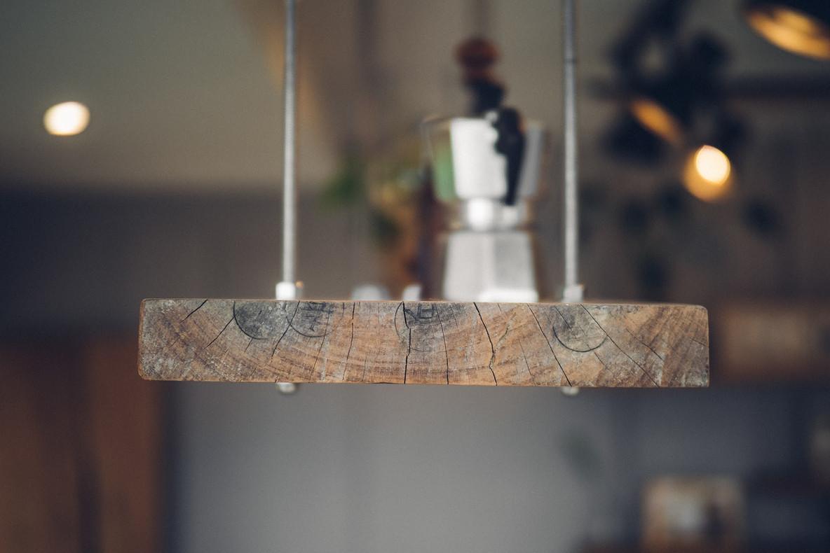 20三角鐵茶屋舊木板層架再利用.jpg