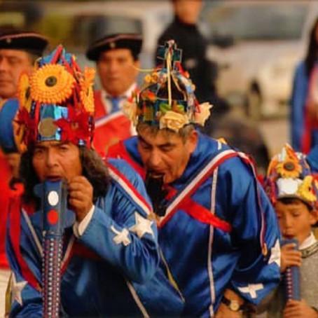 Los bailes chinos : música y baile ritual del Chile central