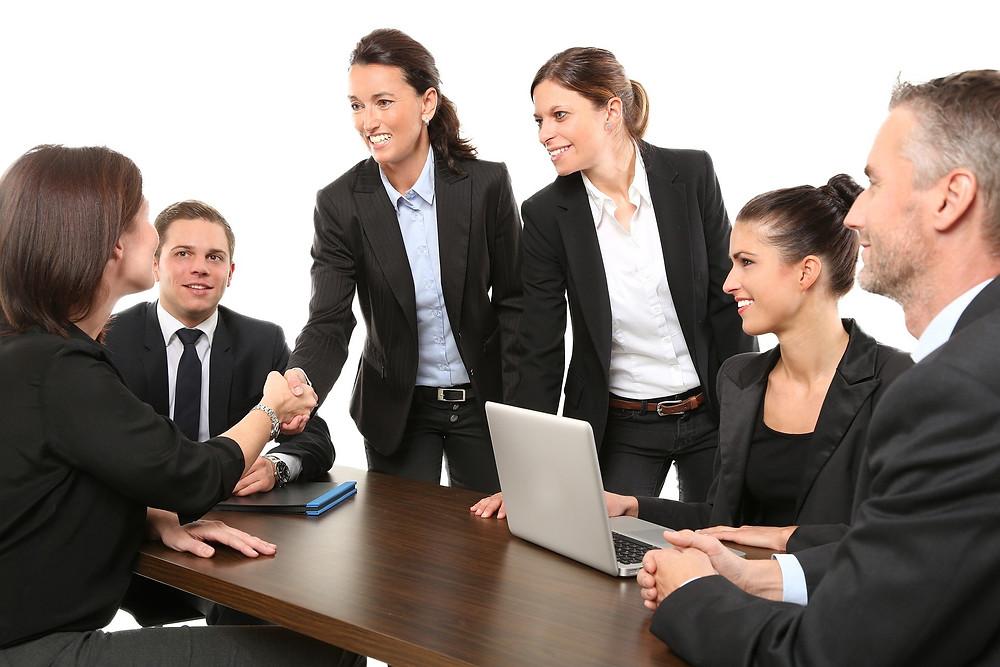 Une réunion de travail entre collègues