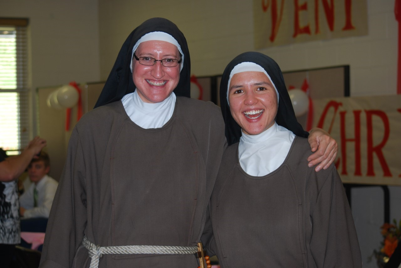 2 sisters vows