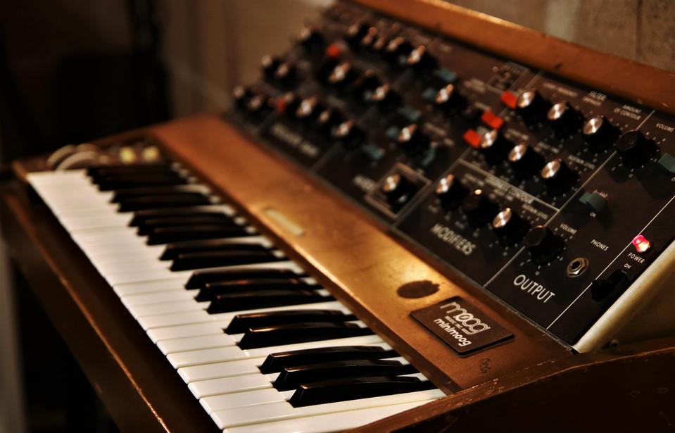 """Vintage Mini Moog (analoger Synthesizer) im """"Lady G."""""""