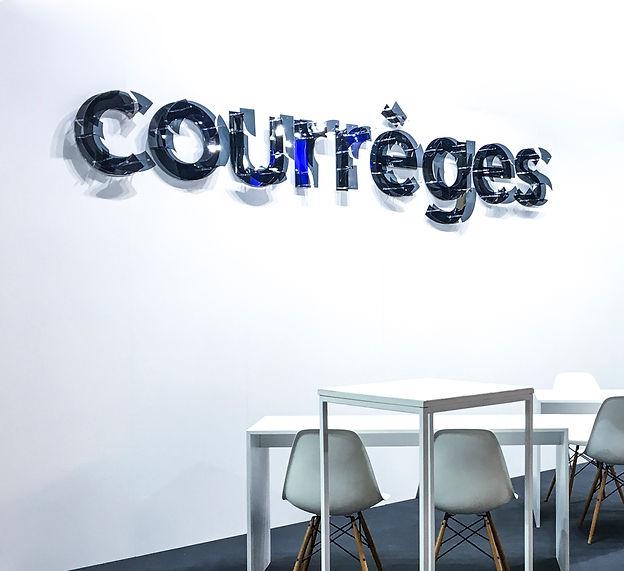 Logo courrèges