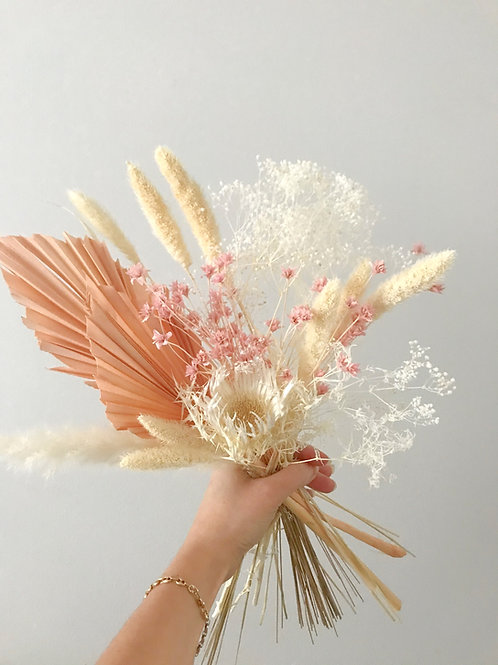 Small dried and preserved floral bouquet - Natural / Light Pink / Sage Green