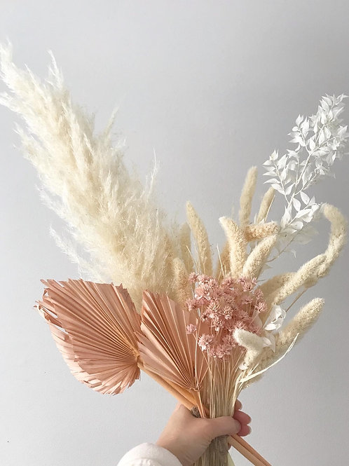 Dried preserved floral bouquet - Light Pink