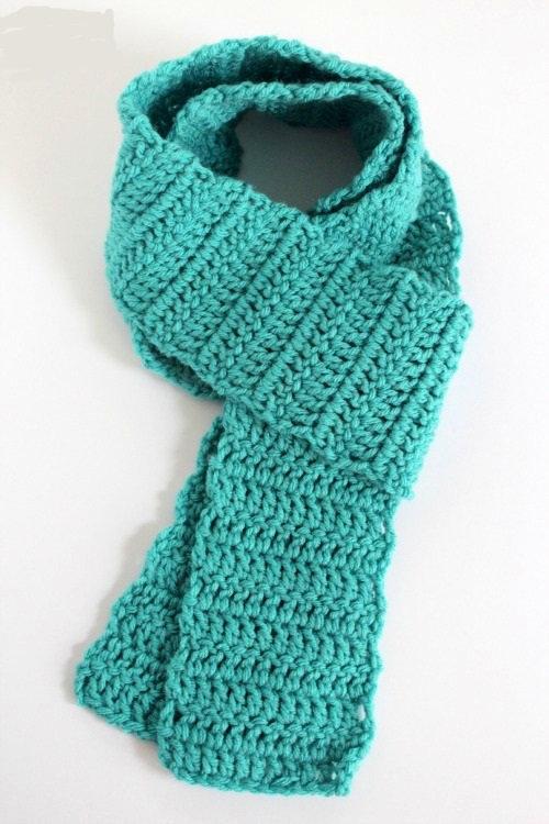 Wrapping-a-Crochet-Scarf.jpg