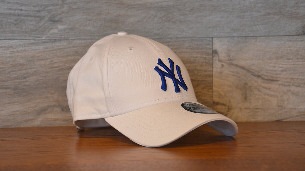 Cappellino NewEra 9FORTY 940 essential New York Yankees white/blue