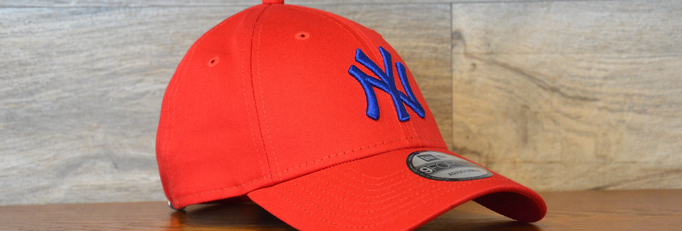 Cappellino NewEra 9FORTY 940 essential New York Yankees red/blue