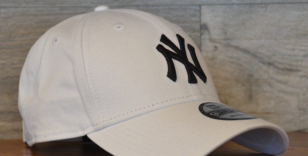 Cappellino NewEra 9FORTY 940 essential New York Yankees Militar green