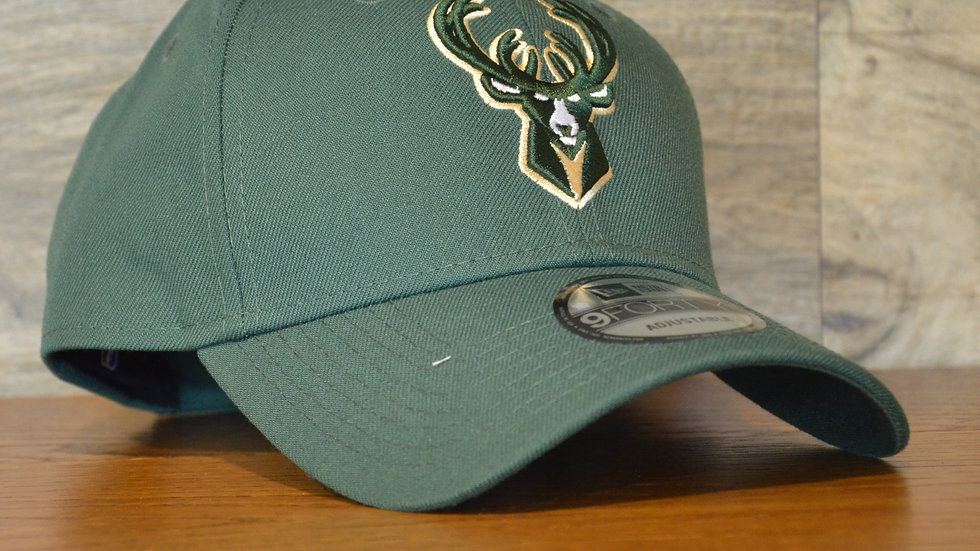 Cappellino NewEra 9FORTY The League Milwaukee Bucks