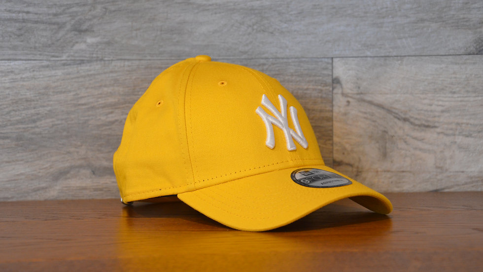 Cappellino NewEra 9FORTY 940 essential New York Yankees yellow/white