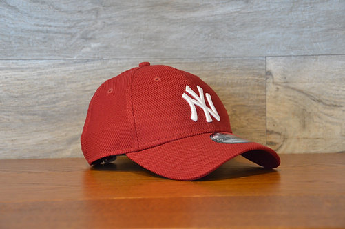 Cappellino NewEra 9FORTY Diamond era essential New York Yankees Grey