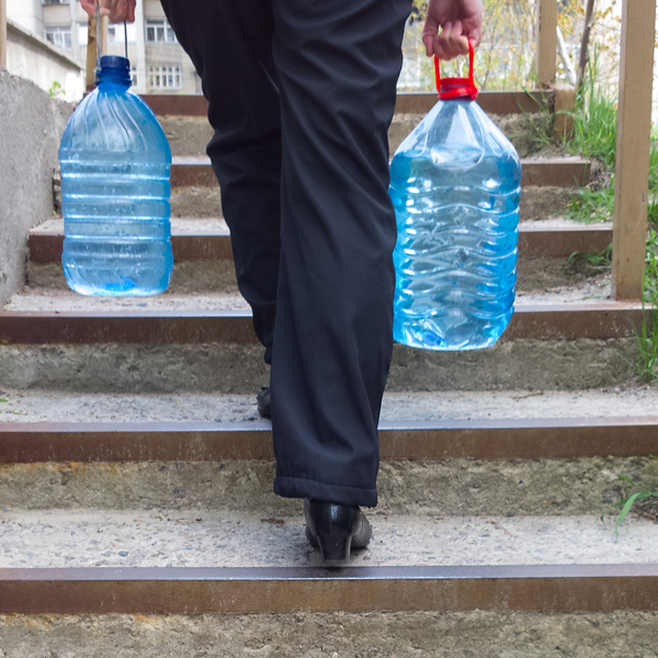 trasporto acqua bottiglie