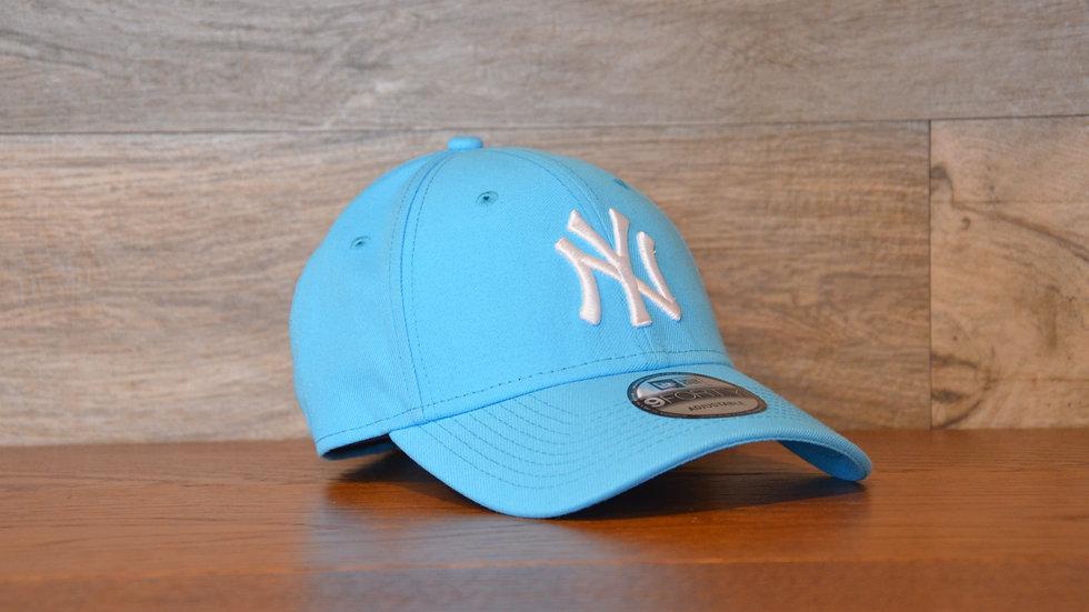 Cappellino NewEra Neon 9FORTY 940 basic New York Yankees LightBlue Neon