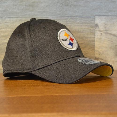 Cappellino NewEra 39THIRTY Shadowtech Pittsburgh Steelers