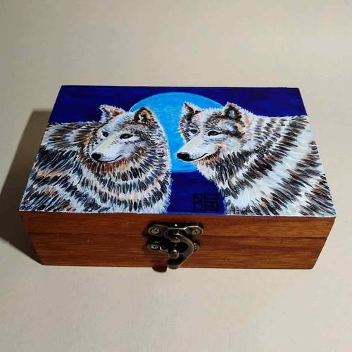 Wild Love Wolf Art Box