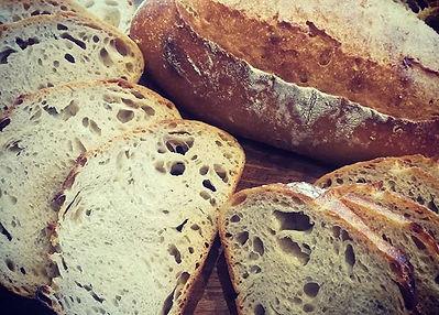 パンドセーグルもコアなファンが多いながら大衆的ではないパンのひとつ。_ライ麦と水