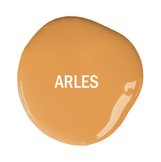 Chalk-Paint-blob-with-text-Arles.jpg