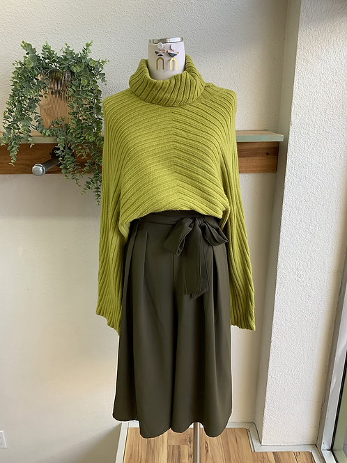 Olive Paperbag Waist Cullot Pants