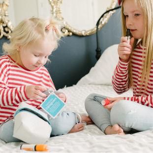 Kids_oilsisters.jpg