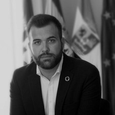 Luis Salaya