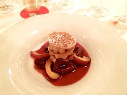 aprikosen-rosmarin-sorbet-toertchen-mit-mandelsable-weissem-schokoladenmousse-un