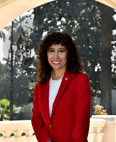 Keynote Laura Farber 2020 Outside.jpg