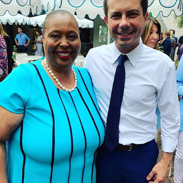 Lunch with Mayor Pete for President.jpg