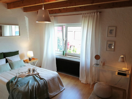 Elternschlafzimmer 3).jpg