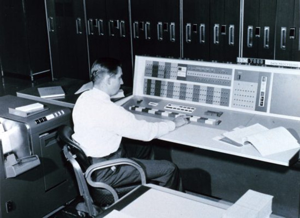 IBM_7090_console_used_by_a_meteorologist