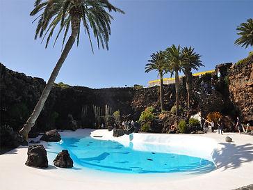 W programie: Jameos del Agua lub Cueva de Los Verdes - Haria i dolina 1000 palm - dawna stolica Teguise