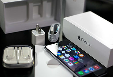 iphone_6_black_unboxed_hero (2).jpg