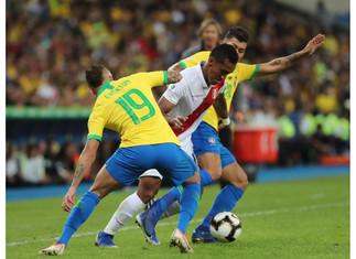 Renato Tapia: ¿Qué tan parecido tiene al juego del brasileño Casemiro?