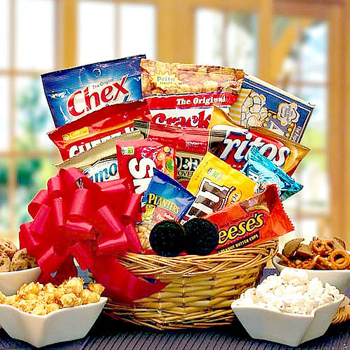 Snack Lovers Gift Basket, Sweet & Salty Snacks