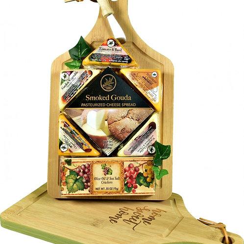 Gourmet Cheese & Chrispy Crackers, Snacker's Favorite Gift Gift