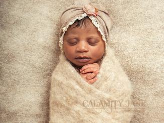 Newborn Photography - Natural Fibers