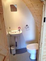 Deluxe bathroom.jpg