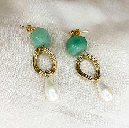 Boucles d'oreilles pendantes ornées de pierres et perles