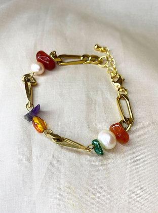 Bracelet orné de pierres multicolores