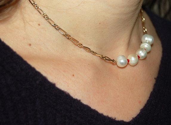 Collier cinq perles et mini perles rouges