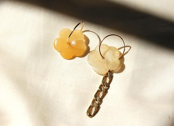 Boucles d'oreilles ornées de jade et chaîne