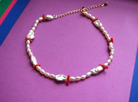Collier perles et coraux
